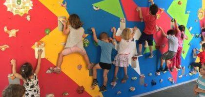 Óvodai mozgásfejlesztés mászó-falon
